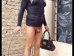 Toda una señora casada...pasiva de closet se exibe muy elegante y sexy en un antro en Ica...