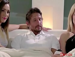 Mom Likes TO Watch Dad and Daughter Fuck- Jaye Summers,Tommy Gunn