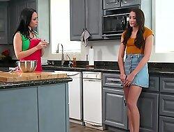 I found my stepmom online! What do I do? - Avi Love, Crystal Rush