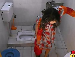 Bhabhi sonia strips and shows the brush expansive letter after a long time bathing
